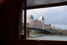 車窓から見たハウステンボスのホテル