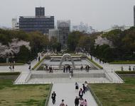 平和学習は、ボランティアガイドの方に親も一緒に学ぶのがおすすめ(広島)
