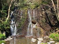 天成園のパワースポット「玉簾の瀧」