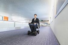 羽田空港第1ターミナルで世界初の「WHILL自動運転システム」実用化