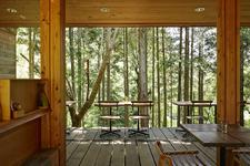 香川県丸亀市の木材屋さんKITOKURAS(キトクラス)。カフェ、雑貨、体験など色々楽しめる