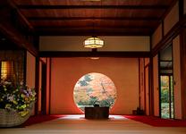 必見!鎌倉・明月院の丸窓から覗く紅葉を見に出かけよう!見ごろや混雑情報も