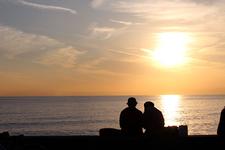 「七里ヶ浜」は夕日の綺麗なデートスポット。周辺のおすすめどころとともにご紹介!