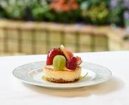 季節のフルーツを乗せたチーズケーキ 600円(税抜) ※不定期でケーキの内容変更あり