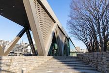清澄白河駅から徒歩14分、木場公園内にある「東京都現代美術館」