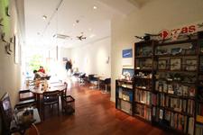 「hane-café(ハネカフェ)」店内