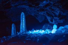 「鳴沢氷穴の氷柱」