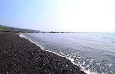 ロングビーチの「弘法浜」。夏にはプールも出ます。