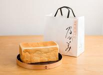 『生』食パン レギュラーサイズ(2斤) 864円(税込)
