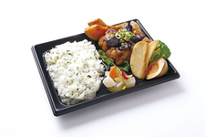 「茄子&鶏唐揚げの香味ソース和え弁当」802円(税込)