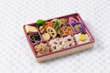 「米八特製黒酢のチキン野菜和え弁当」998円(税込)