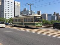 広島市内を走る路面電車。1日乗車券(600円)も各営業所やホテルで購入可能。