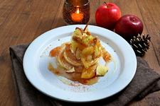 あったかりんごとバニラアイスのパンケーキ 860円(税抜)