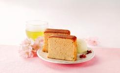 シベール ブランデーケーキ さくら 1296円(税込)