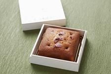 桜のパウンドケーキ 2700円(税込)