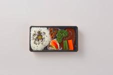 「つばめグリルDELI」の『特製デミグラスソースハンブルグステーキ弁当』1,030円(税込)