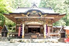 古くから愛される「寶登山(ほどさん)神社」