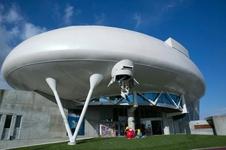 宇宙船をイメージして作られた外観!「石ノ森萬画館」