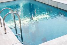 レアンドロの「スイミング・プール」※上からは無料で見学可能