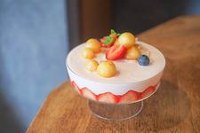 桃といちごと杏仁のパルフェ 1650円(税込)