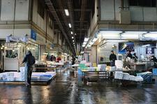 朝の中央市場