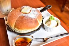 ドリンク代のみでいただけるモーニングサービスのふわふわちぎりパン