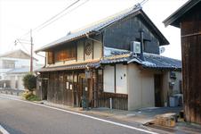 明日香村で大人気の自家焙煎珈琲店「珈琲『さんぽ』」に併設されている