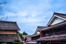 日本家屋が立ち並ぶ