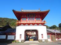 国の重要文化財にも指定されている「武雄温泉楼門」