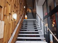 階段を登り2階へ