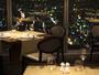 """""""57階レストラン「ZK」では、まさに""""""""天空""""""""という言葉にふさわしい空間でお食事をお楽しみいただけます。"""""""