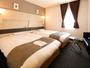 リニューアルされたツインルームです。お子様添い寝の場合は2つのベッドをくっつけてよりワイドに♪