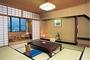 景山荘の客室の一例です。景山荘では客室でも下呂温泉を源泉掛け流しでお楽しみ頂けます。