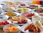 好評の和洋朝食バイキング!煮物や牛たんカレー、珍しいアサイージュースが人気!