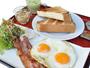 新鮮な卵を使用した洋食。卵料理はベーコンエッグ・ハムエッグ・オムレツの3種類からご選択頂けます。
