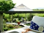 自家菜園「ポタジェ」やゆっくりできるベンチが点在するガゼボでのんびり読書も良いですよ
