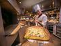 ガーデンビュッフェ「パインテラス」で焼きたてピザをどうぞ!