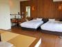 ナチュラルな雰囲気のセミダブルツインと琉球畳の和洋室