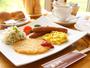 ★ふらの産小麦を使った自家製パン、きゃらうぇいさんのソーセージなどあしたやの朝食はこだわりがいっぱい