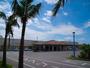 【石垣港離島ターミナル】当キャビンからは徒歩1分。トラベラーの滞在に特化したホステルです。
