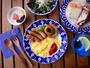 【BLUE CAFE/朝食一例】焼きたてパンとコーヒー、スープ、卵料理、サラダのブッフェ。