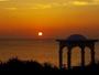 東シナ海に沈む夕陽を眺めながら時間を忘れる癒しのひととき