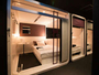 ◆ファーストクラスキャビン:セミダブルサイズのベッド。小さな丸テーブルもあります。