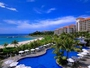 青く澄んだ沖縄の海と、約760mもの白い砂浜が続くブセナビーチ