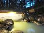 露天風呂は四季折々の風景を楽しみながら。冬は雪見露天風呂。
