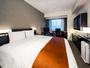 デラックスダブル(23平米・ベッド168x195)