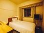 【お部屋の広さ】15.3平米 シモンズ社製ベッド使用。出張・お出かけにオススメ。シングルルーム(一例)