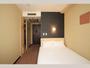 【シングルルーム】15平米・ベッド幅140cm、Serta社製コイルマットレス使用。
