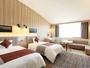 ソファ付きでゆったりとお過ごしいただける『禁煙プレミアムルーム』。2部屋のみの設定となります。