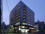 秋葉原駅、御茶ノ水駅から徒歩圏内。1階にコンビニとレストラン。